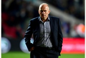 Bristol Rugby director of rugby, Andy Robinson - Mandatory by-line: Joe Meredith/JMP - 23/09/2016 - RUGBY - Ashton Gate Stadium - Bristol, England - Bristol Rugby v Exeter Chiefs - Aviva Premiership